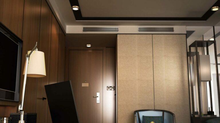 2 Rechthoekige uitblaasroosters voor ingebouwde airco in hotelkamer