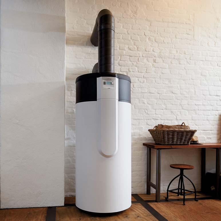 Vaillant arostor VWL warmtepompboiler in werking met luchtkanalen naar buiten